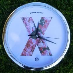 Epidemic Records - X Clock (Rose) - Orologio A Muro (Cornice Argentata)